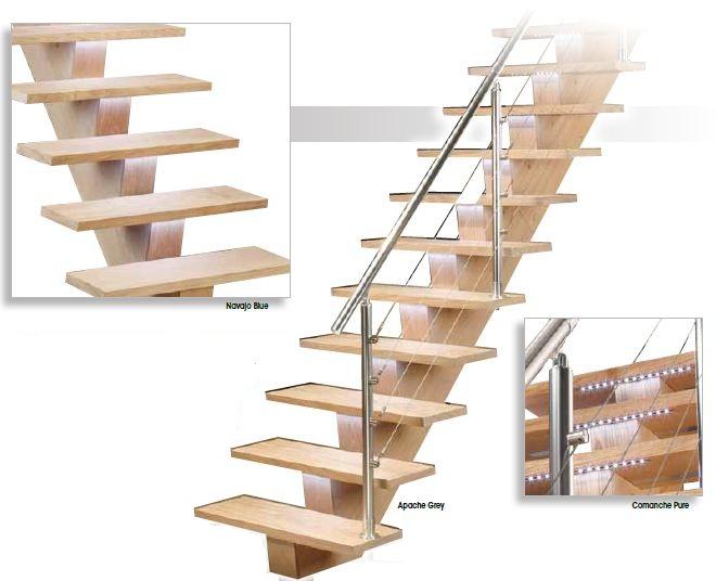 Design trap met ledverlichting onder de trede zeer mooie trap for Steektrap hout